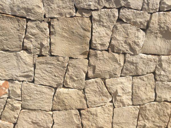 mampostería roca blanca